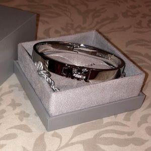 !MICHAEL KORS SILVER AND CRYSTAL CLASP BRACELET!